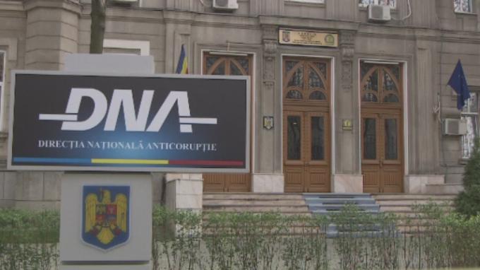http://www.pna.ro/comunicat.xhtml?id=9414 Mădălina Scarlat a fost delegata în funcţia de procuror-şef adjunct al Direcţiei Naţionale Anticorupţie (DNA) de către Secţia pentru procurori a Consiliului Superior al Magistraturii (CSM) Călin Nistor la șefia DNA controale curtea de conturi procurorii nu trebuiesc intimidați luare de mită ion aliman Prelungirea delegării Ancăi Jurma