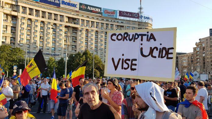Protest 10 august 2019 acțiuni de protest proteste după model polonez http://investigative-report.ro/aurelian-badulescu/ Protestatarii #rezist