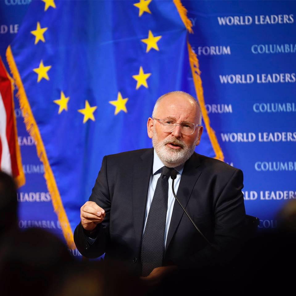 Comisia Europeană a dat cel mai dur avertisment României Dosarul împotriva lui Frans Timmermans demisia lui Frans Timmermans