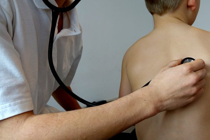 acces gratuit la servicii de sănătate