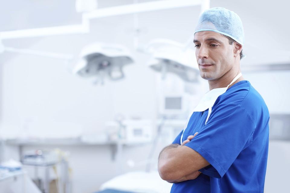gărzile efectuate de medici pontați pe cât muncesc medicii sunt mai bine platiti decât miniștrii