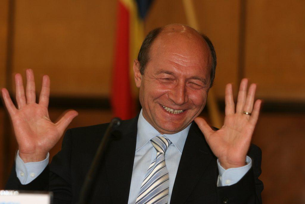 Fostul președinte Traoan Băsescu face o analiză a cazului din Caracal și critică aprig pe unul dintre avocați, Tonel Pop Băsescu sare la gâtul Franței și Germaniei basescu dăncilă summit 9 mai remanierea guvernamentală schimbați guvernul cineva minte basescu