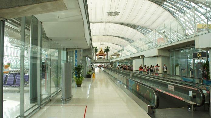 infrastructură noul terminal Otopeni porţi de control automat al paşapoartelor Legea privind utilizarea datelor Datele pasagerilor din transportul aerian