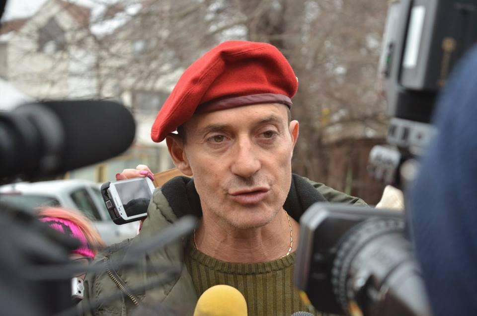 Radu Mazăre a fost condamnat definitiv Fostul primar al Constanței Radu Mazăre ar putea primi 15 ani de închisoare, după ce un procuror DNA a cerut acest lucrula Înalta Curte de Casaţie şi Justiţie. radu mazăre ultimul termen