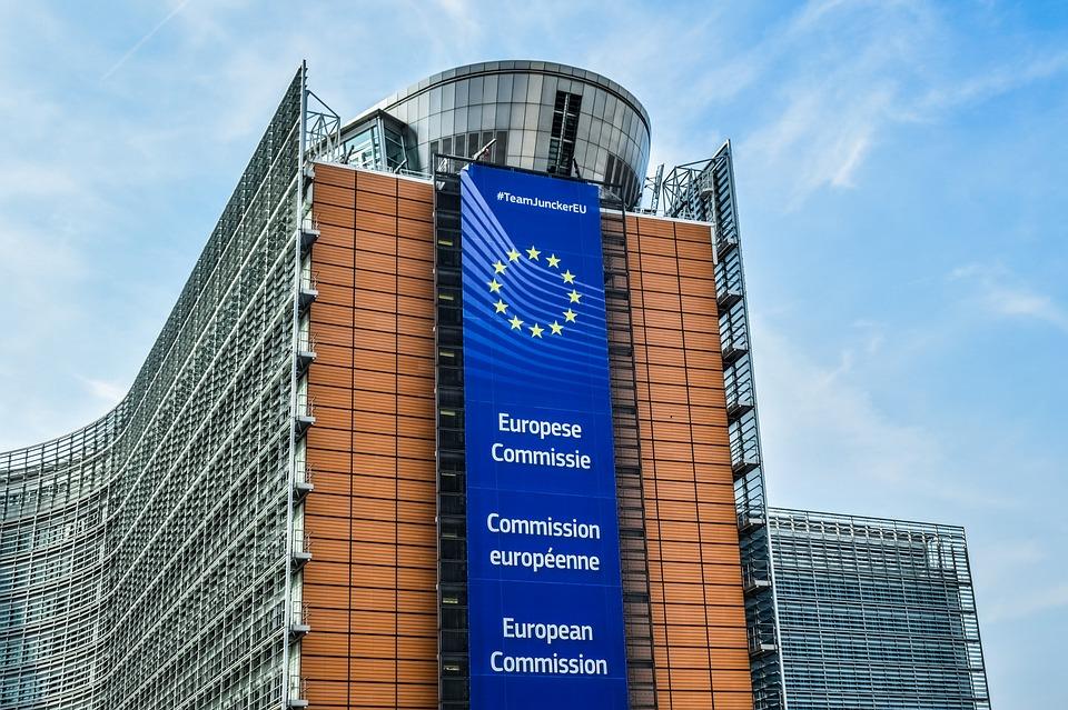 accesul la fondurile europene Cel mai dur raport mcv Noua Lege a pensiilor pe care legislativul român a adoptat-o la finele anului trecut, va genera genera riscuri de sustenabilitate a finanţelor statului raportul mcv comisia europeana