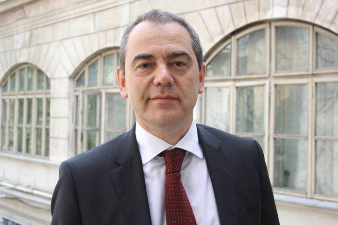 Jandarmeria aplică electroșocuri copiilor cu probleme psihice, a scris, pe pagina personală de Facebook, senatorul Vlad Alexandrescu.