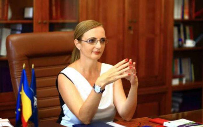 Lia Savonea tânjeşte de mult la revocarea conducerii Instanţei supreme, pentru a numi în loc persoane mai puţin predispuse la independenţă liderii europeni atacă independența justiției din România emiterea avizului consultativceartă întrePNL și CSM lia savonea noul președinte csm