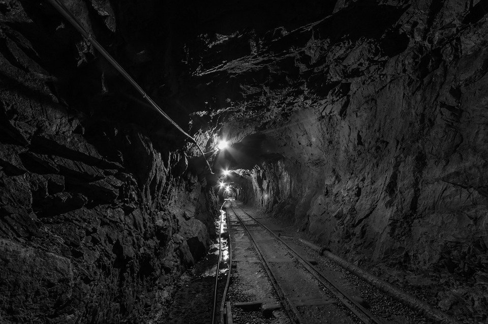 Procurorii din Petroşani mineri morti mina