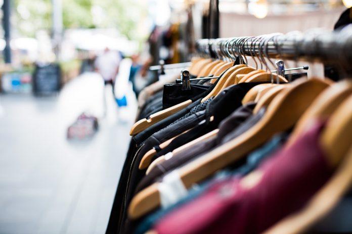 comerțul cu haine contrafăcute