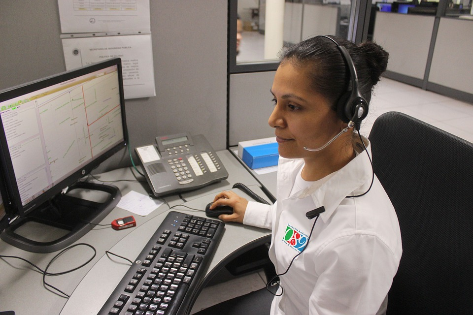Sistemul 112 Serviciul de Telecomunicaţii Speciale (STS) a lansat aplicaţia de urgenţă Apel 112 pentru telefoane mobile, care permite transmiterea coordonatelor GPS 112 apeluri non-urgențe