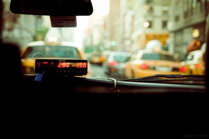 """instituţii de stat Serviciile de ride-sharing COTAR minte #continuam oug 21/2019 Legea Taximetriei a scos """"din joc"""" 25% dintre șoferii cu aplicație de ridesharing lumea supărată taxi Oficialii taximetriștilor sunt supărați că lumea e supărată pe serviciile lor proaste și preferă serviciile semi-clandestine platformelor digitale de mobilitate urbană"""