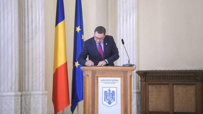 """ponta refuză pnl Președintele Pro România, Victor Ponta, este pregătit de-o """"cârdășie politică"""" cu PSD, dacă-i acceptă condițiile pentru un nou Guvern. Ponta s-a transformat zilele trecute în omul poporului, după ani în care a fost premier, iar acum simulează că-i pasă de ceea ce se întâmplă cu românii."""