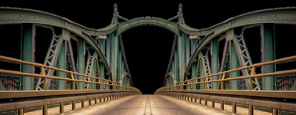 pod peste Dunăre traseul podului suspendat peste Dunăre