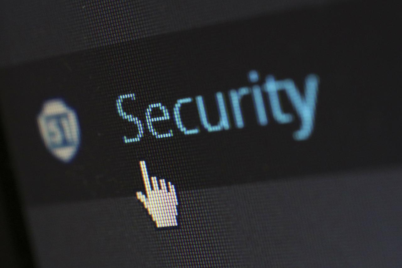 """Minerii"""" de monedă virtuală atacurile de phishing Numărul de atacuri de phishing care îi vizează pe utilizatorii de computere Mac şi dispozitive mobile iOS, precum şi de servicii web asociate atac cibernetic Un atac informatic bazat pe această vulnerabilitate permite accesul la toate informațiile existente pe sistemul de operare, inclusiv parole Infractorii cibernetici"""