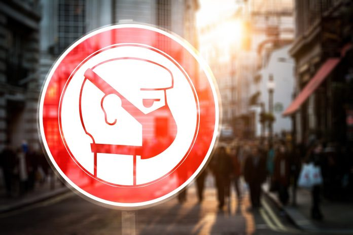 nou lockdown Guvernul nu are, în acest moment, în plan niciun lockdown sistemic, a declarat vicepremierul Dan Barna, într-o emisiune la postul public de televiziune TVR 1. Coronavirus nu se transmite prin atingere, ci prin intermediul secreţiilor respiratorii, dar nu există niciun fel de tratament specific în acest caz