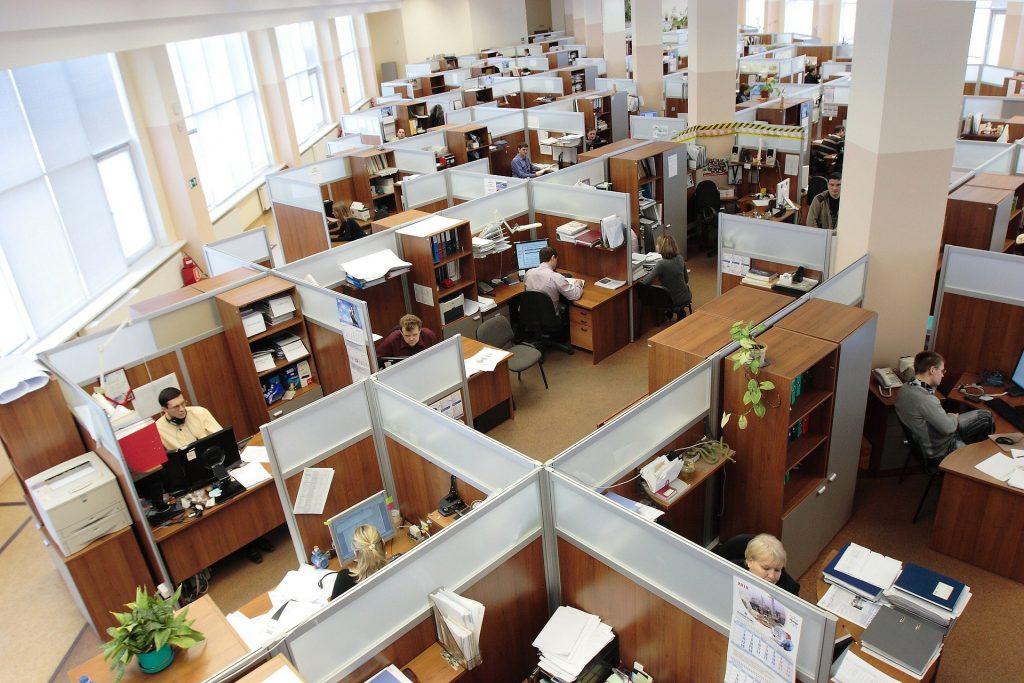 Numărul angajaţilor din administraţiile locale