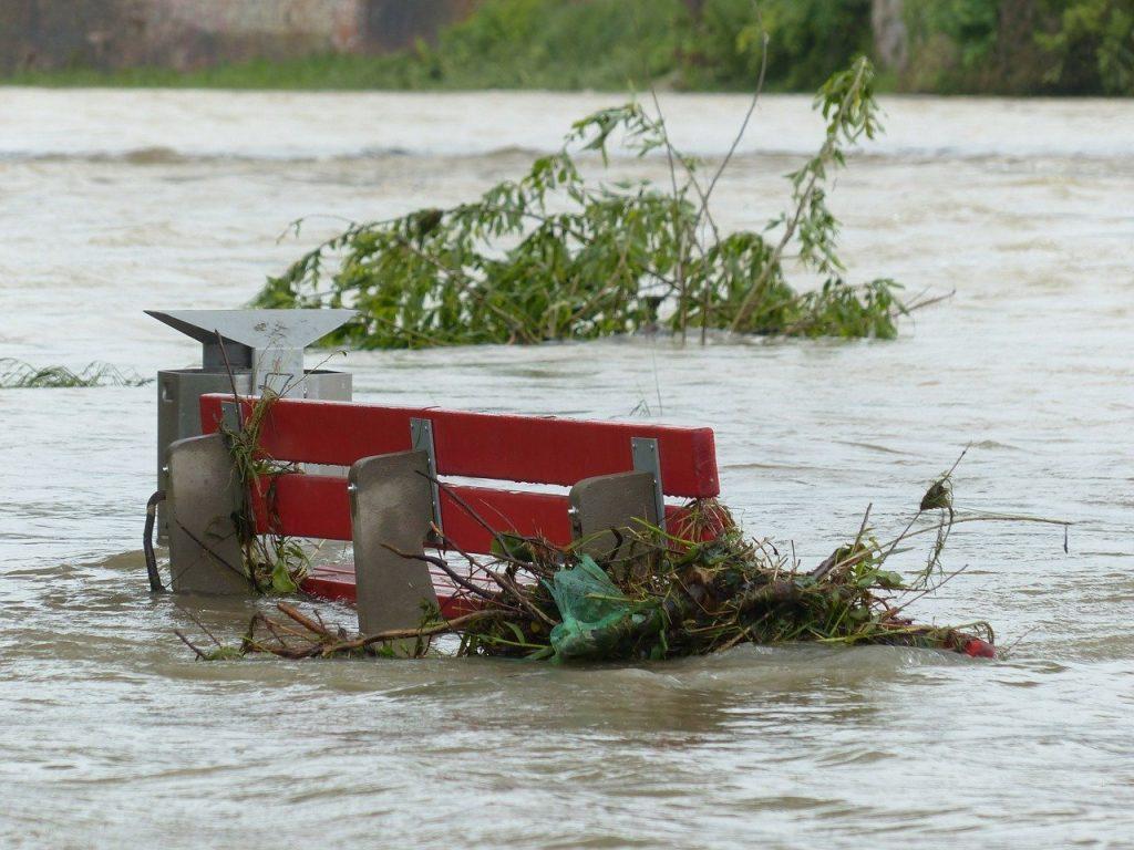 Inundaţiile cu consecinţe grave