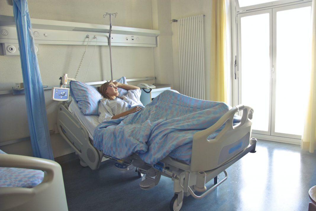 paturi libere la ATI Până astăzi, 16.057 de români au murit din cauza COVID-19, astfel că, în intervalul 03.01.2021 (10:00) – 04.01.2021 (10:00) decese din cauza COVID-19 paturi de terapie intensivă